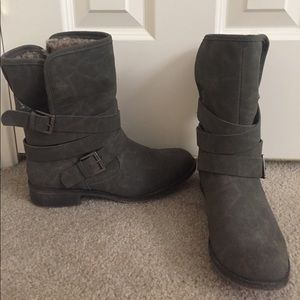 Mid-Calf Casual Bootie Size 9